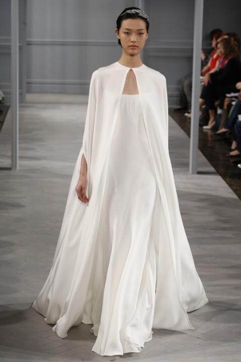 monique lhuillier vestido de novia con capa | 321mecaso