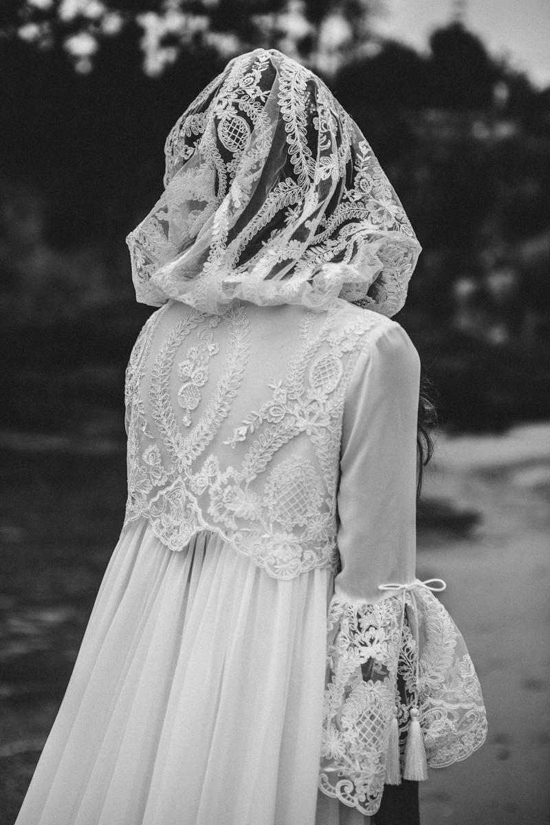 vestido de novia con capucha